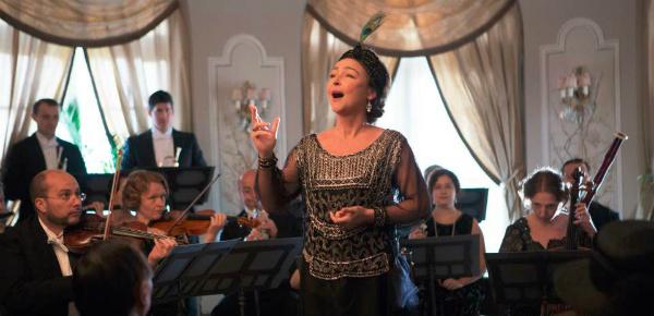 De vals zingende diva Marguerite