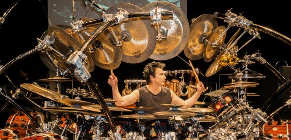 De beste drummer ter wereld in NL!