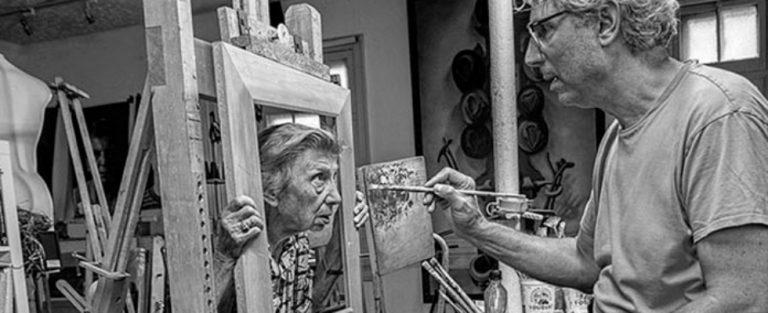 Recht-in-je-hart-kunst door moeder en zoon