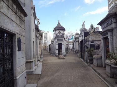 recoleta-cemetery-949162_1920