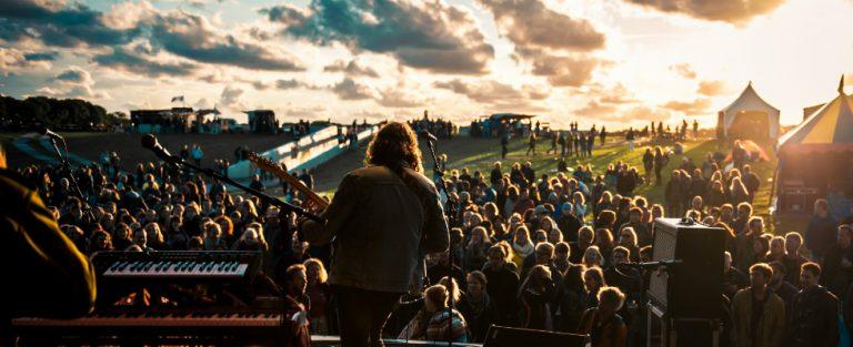 Kampvuur en muziek: het intiemste festival van NL?
