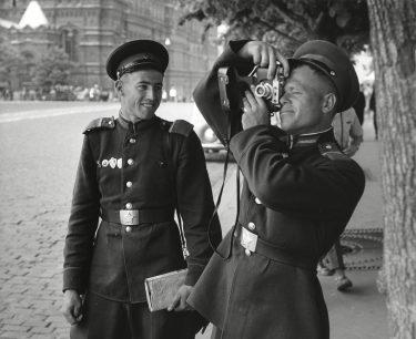 Eddy Posthuma de Boer, Bij het Rode Plein, Moskou 1960_collectie Nationaal Archief.