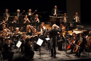residentie-orkest-met-jan-willem-de-vriend-door-julie-algra