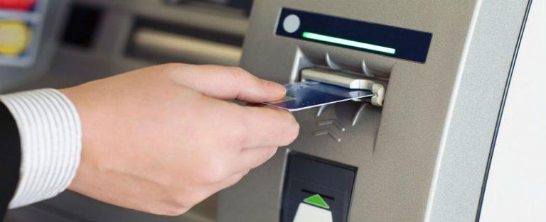 Steeds meer pinautomaten verdwijnen