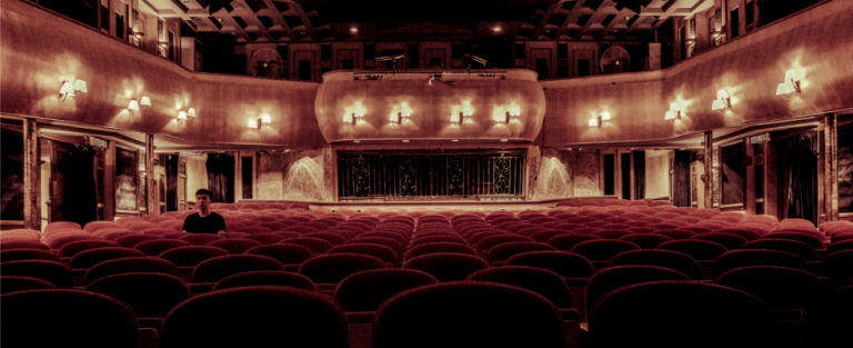 Cornald Maas geeft kijkje in theaterwereld