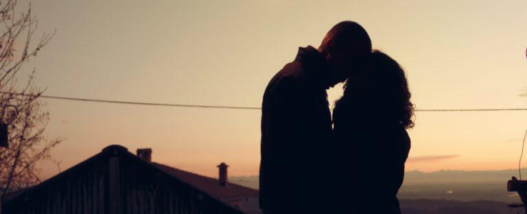 Een kus verandert hun leven voorgoed