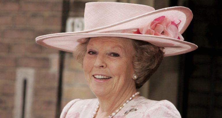 33 jaar koningin Beatrix… in hoedjes