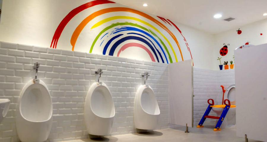 Toiletten in kleur zin
