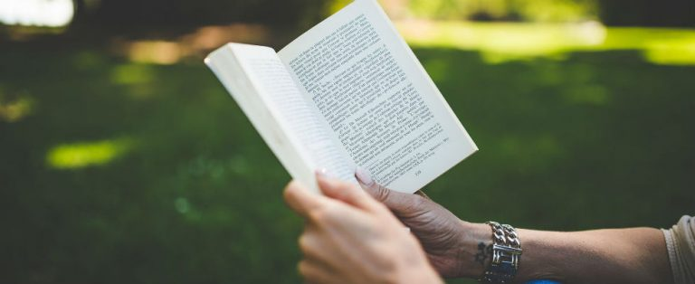 'Lezen is een merkwaardige bezigheid'