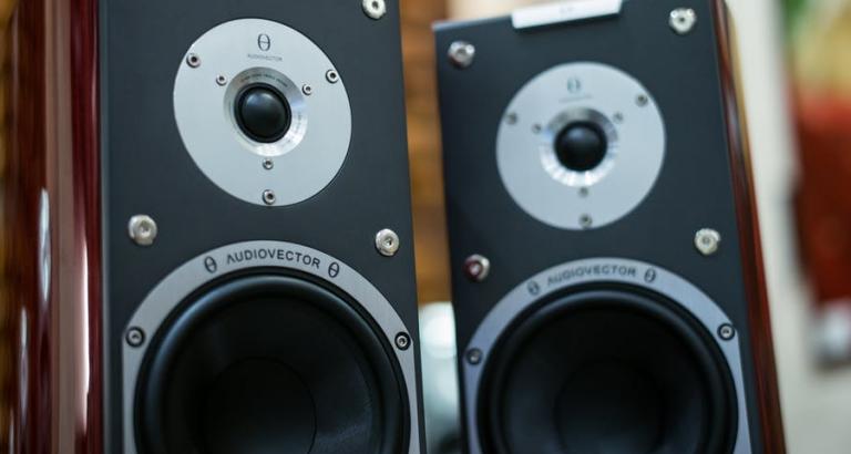Zet de speakers maar hard