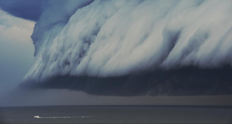 Achter de storm aan