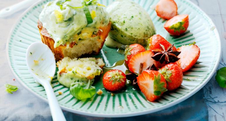 Courgettecakejes met aardbeien