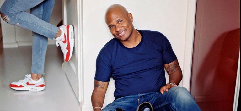 'Surinamers lachen met hun hart, Nederlanders lachen met hun hoofd'