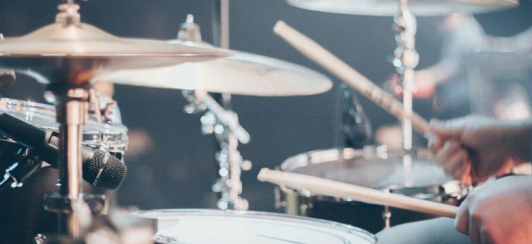 Sheila E. geeft drumles aan Steward Copeland (The Police)