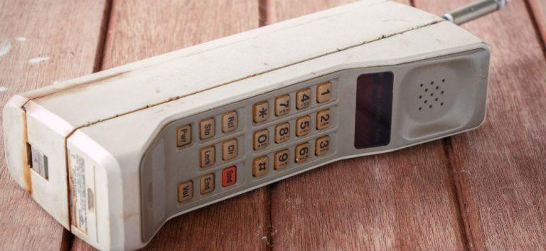 In 1998 was het heel gewoon om géén mobiele telefoon te hebben