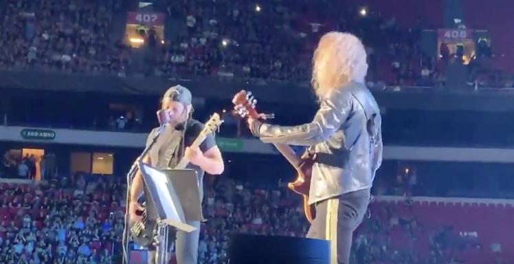 Zooo grappig: rockers van Metallica zingen Hazes