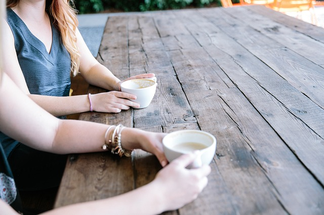 Hoe je een gesprek begint met iets anders dan 'Hoe gaat het?'