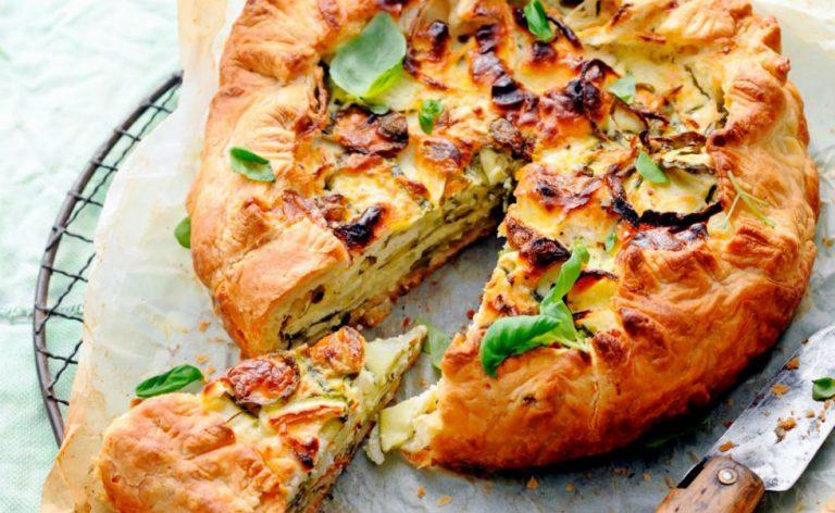 Hartige taart met courgette, basilicum & geitenkaas