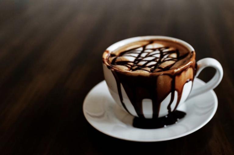 10 rare dingen die mensen tegenwoordig met koffie doen