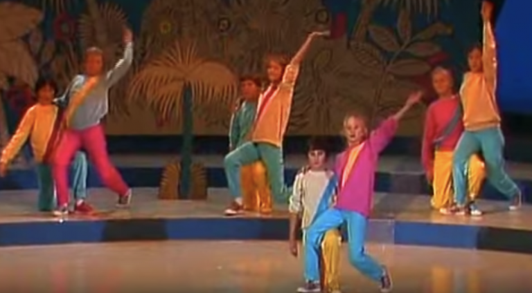 Hoe vertederend, de onbeholpen dansjes van Kinderen voor Kinderen van 40 jaar geleden