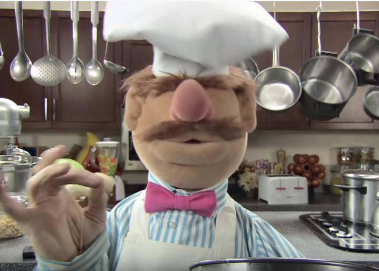 Zó grappig! The Swedish Chef (van The Muppets) maakt popcorn