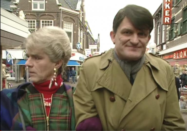 Moeder en zoon Van der Putten gaan 'reuzegezellig' Sinterklaasinkopen doen