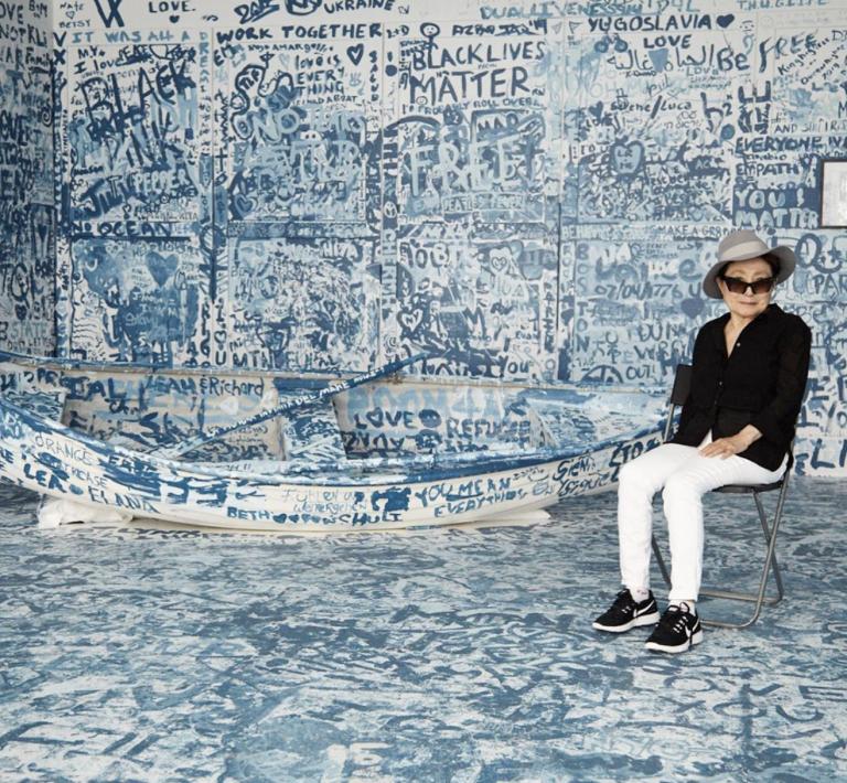 10 x Yoko Ono op haar hoede