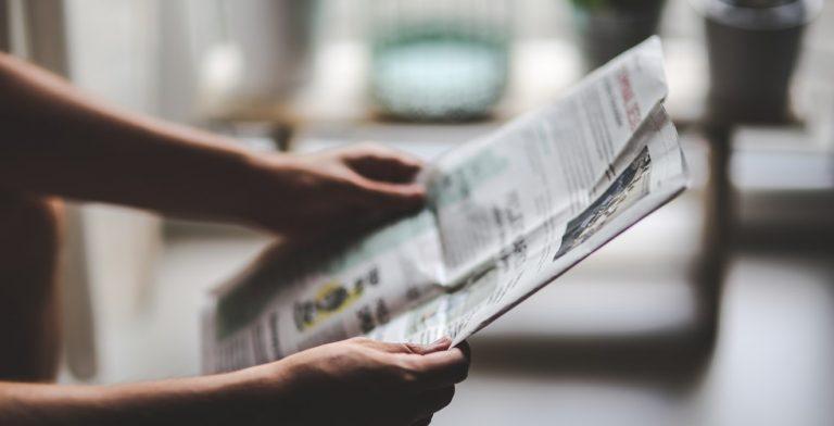Een krantenbericht over een verdacht sterfgeval