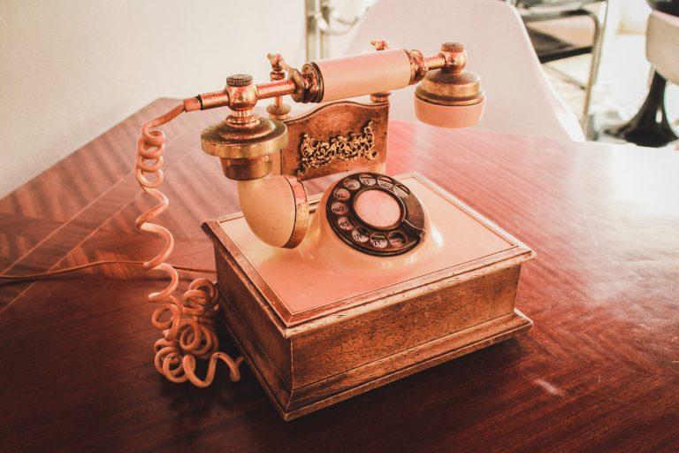 9 x vintage telefoons