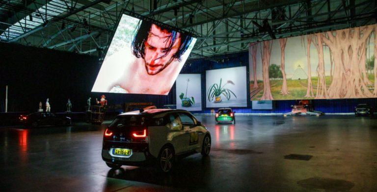 Drive-thru museum op 10.000 m2!