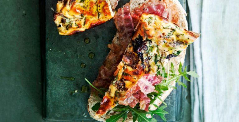 Deze lichte pizza doet je alvast verlangen naar de lente