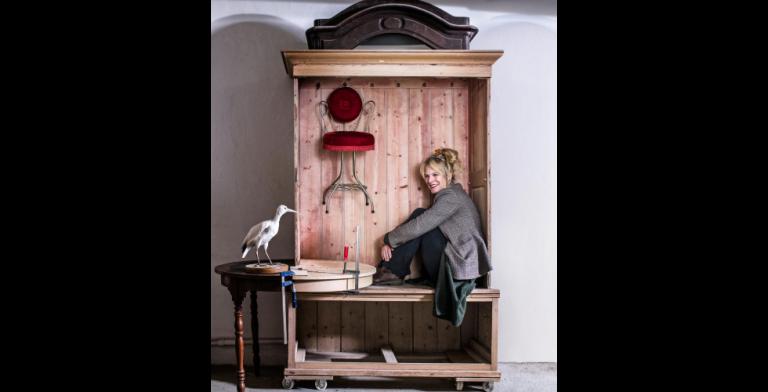 'Er zit een verhaal achter elk meubelstuk en daar wil ik verder mee'