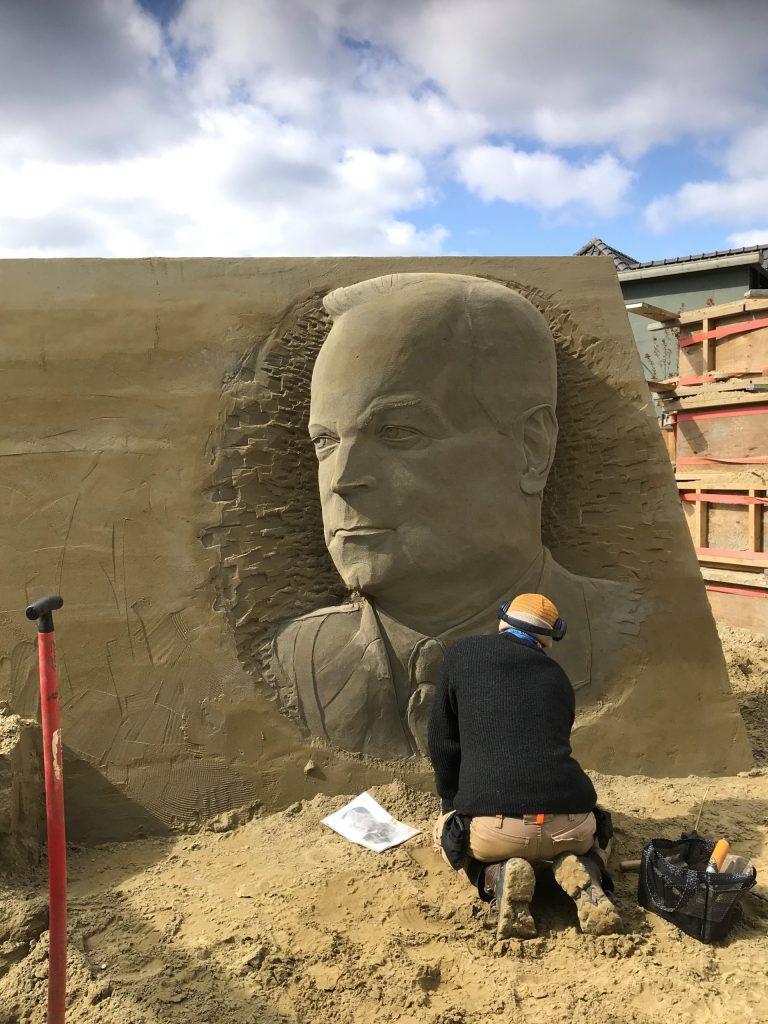 't Veluws Zandsculpturenfestijn: van Pearl Harbor tot de Slag om Arnhem