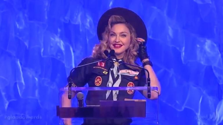 8 x meezingen met Madonna