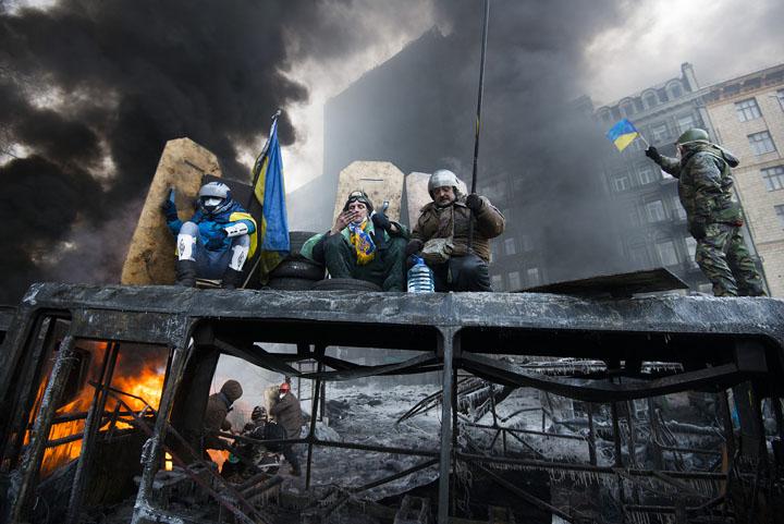 Gevechten Hrushevs'koho Street in Kiev Ukraïne